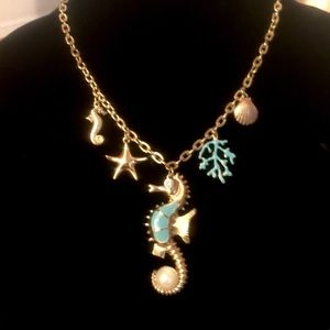Sea horse gold chain link necklace